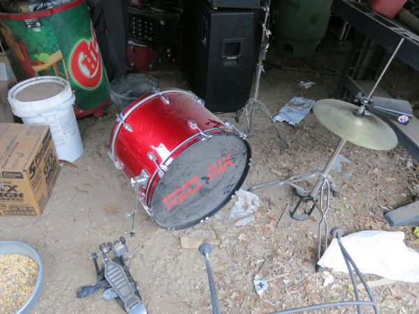 Groove Percussion drum set - $100 (down town )