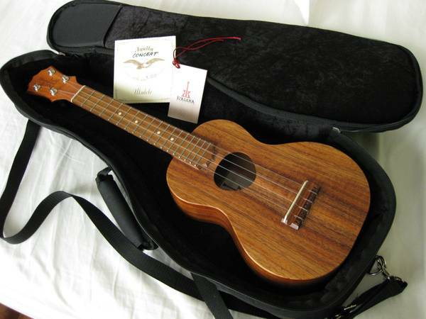 KoAloha Ukulele - Concert Size, Incl. New Strings Case - $675 (Houston, Texas)