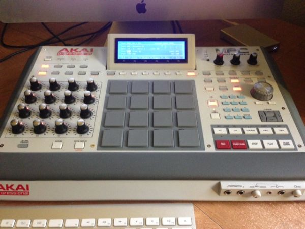 AKAI MPC RENAISSANCE - HOT DEAL - $950 (SAN ANTONIO)