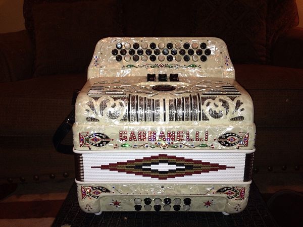 Gabbanelli 3 Switch like NEW - $2500 (432-967-1937)