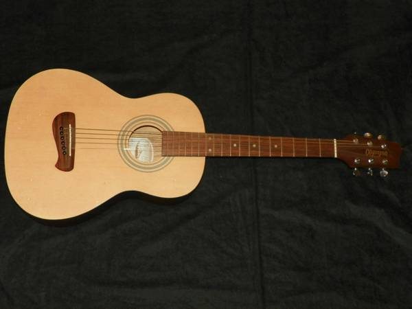 Olympia Parlor 34 size Guitar OP-2 wcase - $100 (LaCantera1604)