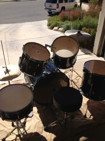 Pacific PdP EZ series 5 piece drum set - $150 (North San Antonio)