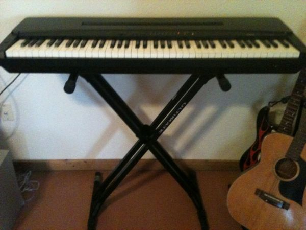 Electric Keyboard (YAMAHA) - $200 (Hondo tx )