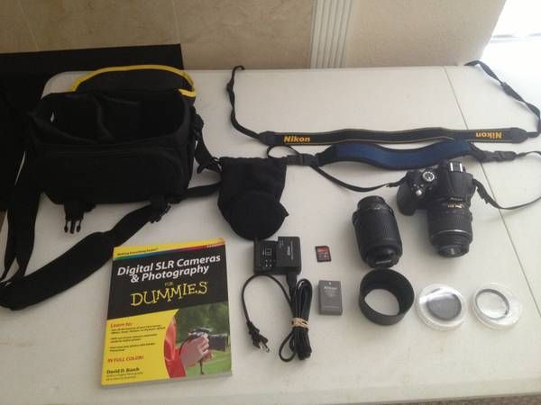 D5000 Nikon SLR Lots of Extras - $370 (Stone Oak)