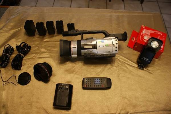 CANON GL2 Digital Video Recorder and Accessories - $1150 (New Braunfels)