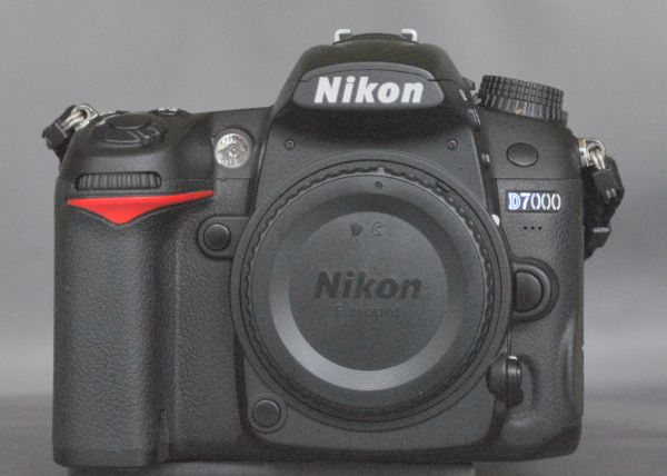 NIKON D7000 Body - $745 (North Central)