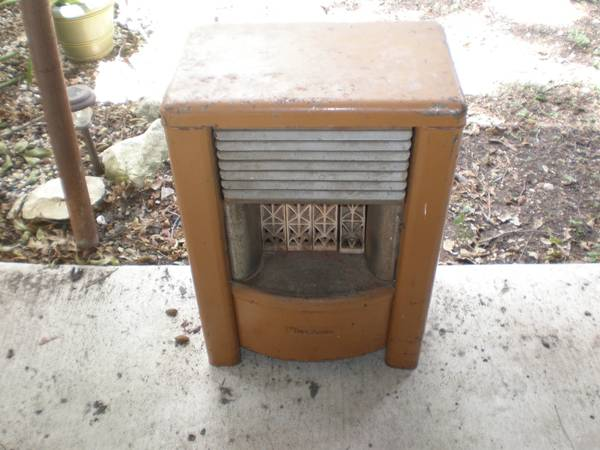 WANTED DEARBORN HEATERS - $1 (SS)