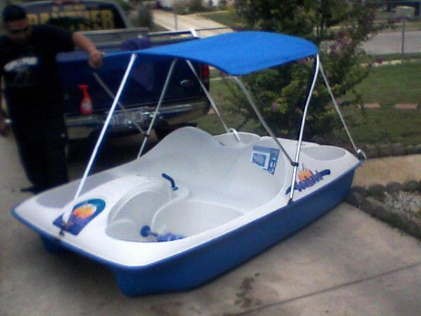 tradeSeahawk 5 Person Pedal Boat with Canopy (nw san antonio tx)