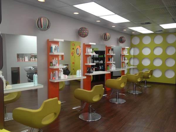 Hair Stylist Nail Tech Wanted (San Antonio central)