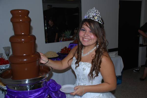 GORGEOUS CHOCOLATE FOUNTAINS AND CANDY BUFFETS (San Antonio and surrounding )