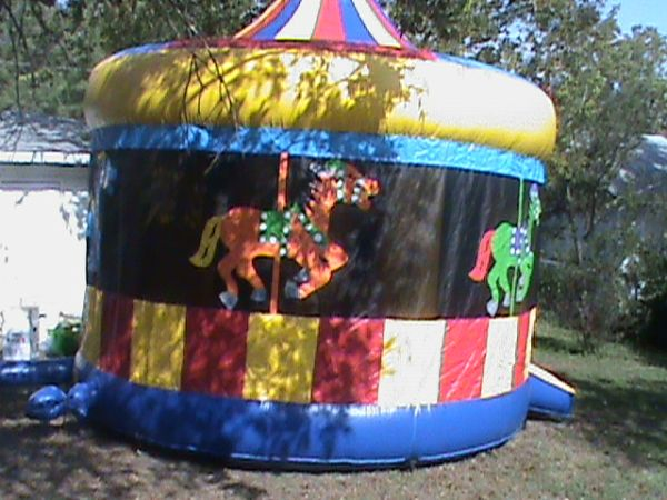 BOUNCERS WATERSLIDES CONCESSIONS KARAOKEJUKEBOX DJ SVC (SAN ANTONIO  SURROUNDING AREA)