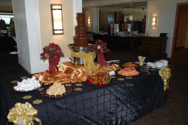 BOOK YOUR HOLIDAY CHOCOLATE FOUNTAINS NOW (San Antonio)