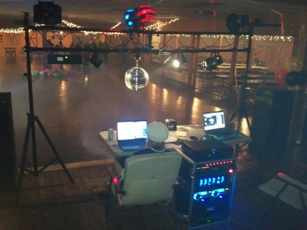 DJ SERVICE STARTS AT ONLY $150.00 PER SHOW (SAN ANTONIO  SURROUNDING AREA)