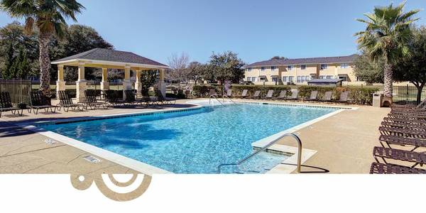 - $475 Room for Sublet only $475 (Bishop Square Apartments)