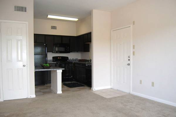 x0024 850   1br - Sublease a very nice 1 Bedroom   San Marcos