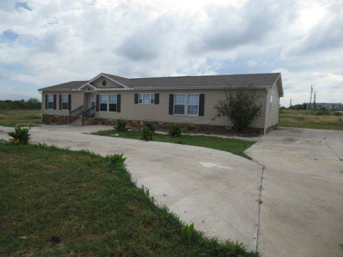 - $119900 5br - 2016ftsup2 - REPO Large 5bed 2bath only $119,900 (Buda TX, 78610)