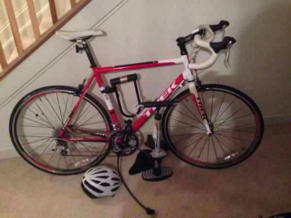 Trek road bike for sale       -   x0024 600  San Marcos