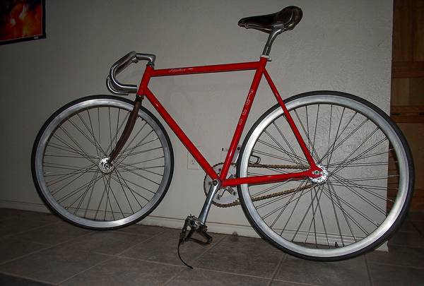 Fuji Feather custom track fixie -   x0024 400  San Marcos