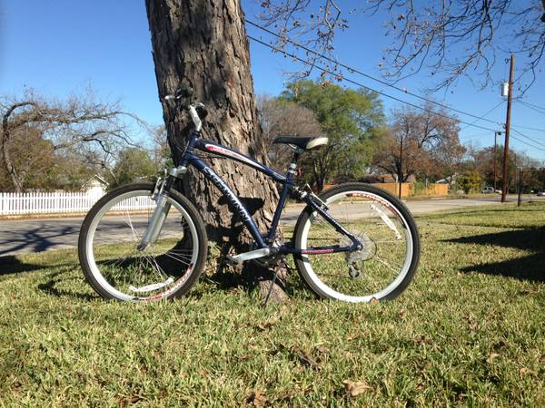 Schwin Midtown 21-Speed  26  Bike -   x0024 125  New Braunfels