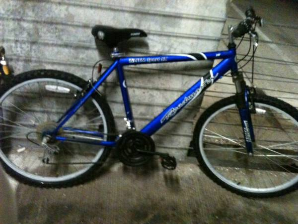 ROADMASTER MOUNTAIN BIKE  -   x0024 40  SAN MARCOS  Texas state