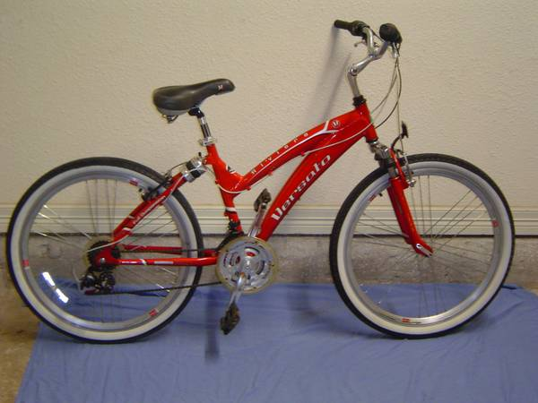 Versato Riviera By Motiv sports HybridBeach Cruiser - $150 (San Marcos,Texas)