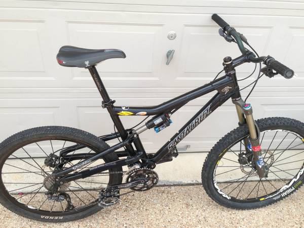 Santa Cruz Heckler-Size Large - $1250 (Down Town Austin)