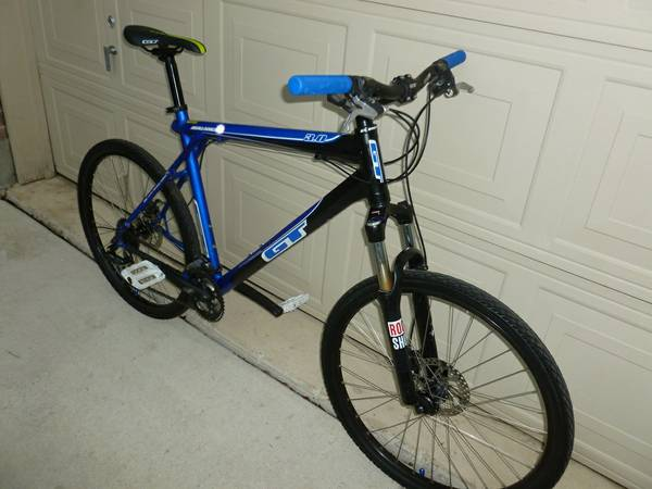 GT Mountain bike w Disc Brakes Lock Out forks large size - $260 (Shertz Cibilo)