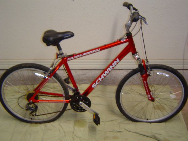 Schwinn Suburban Hybrid Like New Bike - $150 (San Marcos,Texas)