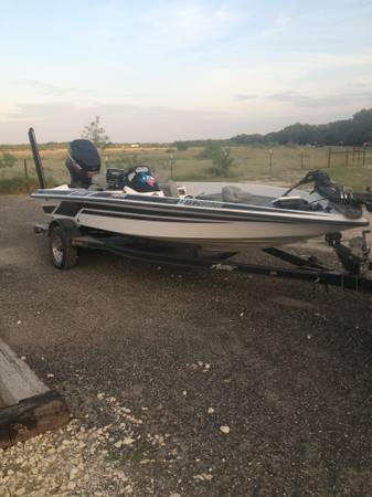 99 Astro Bass Boat w 175 Mercury EFI Loaded with extras - $9000 (Three Rivers TX)