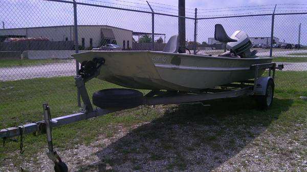 1985 Monark 17 Aluminum Fishing Boat - $1500 (Rockwall, Texas)