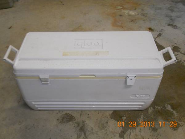 large igloo cooler reduced - $40 (seguin)