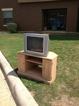 Tv and stand (Dakota ranch bld 7)