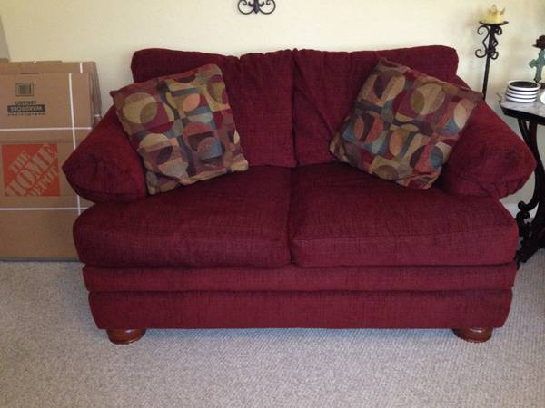 Lazy Boy Red Loveseat Ottoman - $450 (new braunfels)