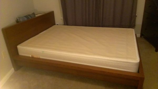 Full size bed frame  head board - $130 (San Marcos)