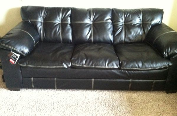 Black Leather With White Stitching Couch Loveseat - $750 (Kyle, TX)