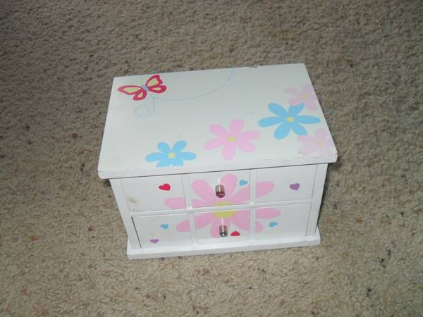 Kid s Jewlery Box -   x0024 10  San Marcos