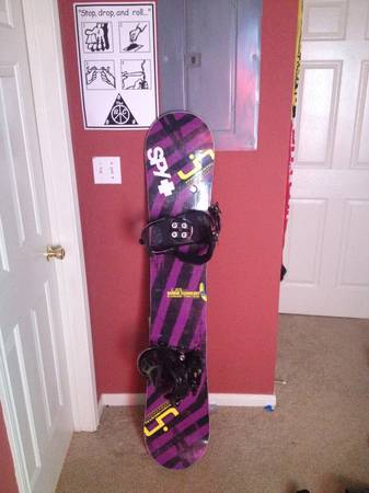 LIB TECH SNOWBOARD W BINDINGS FOR SALE