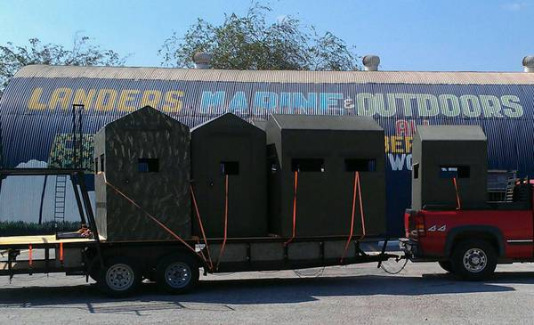 Insulated Deer Blinds Towers - $799 (South Texas)