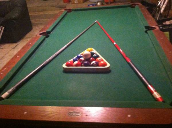 Sportcraft 7.5ft pool table with cues, ball set, rack - $300 (San marcos)