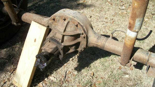 COMPLETE 9 INCH FORD REAR END - $75 (WIMBERLEY)