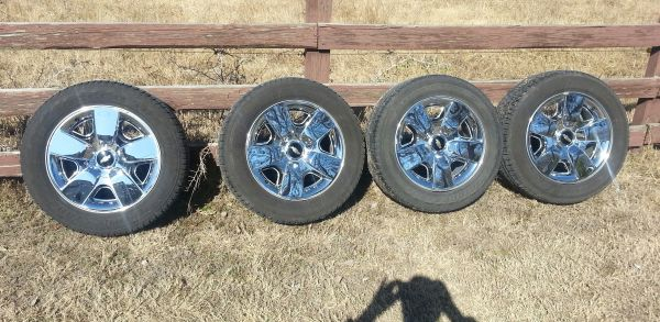 20 inch CHEVY Texas Edition Wheels, Tires, tpms..2011 - $1000 (New Braunfels)