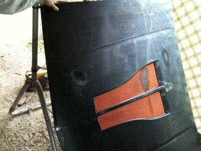 CAMARO FIBERGLASS HOOD WITH SCOOPS OFF IROC Z - $100 (SAN MARCOS TX)