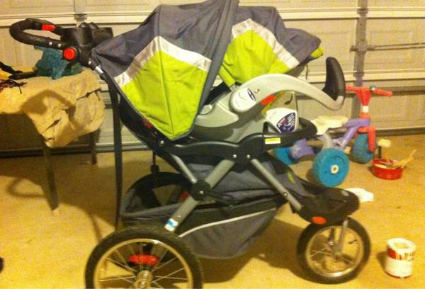 Baby Trend Expedition ELX Travel System Stroller - Everglade - $150 (Kyle)