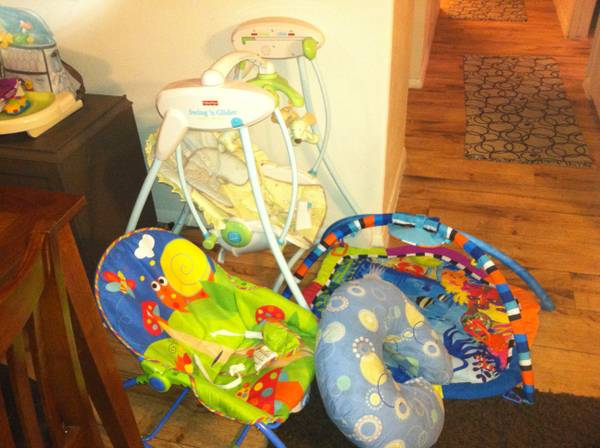 swing, boppy pillow, tummy time mat and a infant seat - $50 (san marcos)