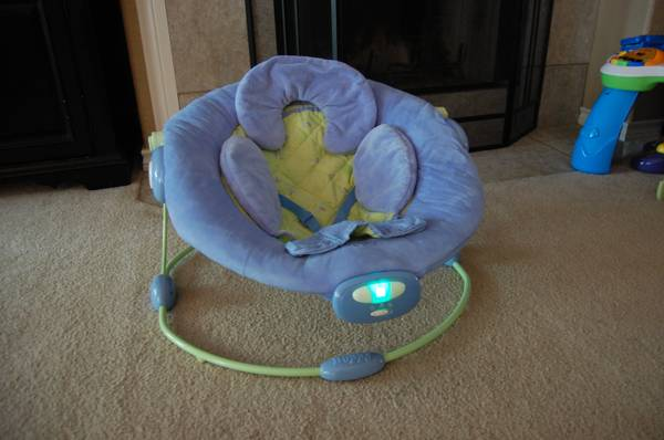 Baby Einstein Boppy Cradle in Comfort Bouncer - Blue  - $15 (San Marcos)