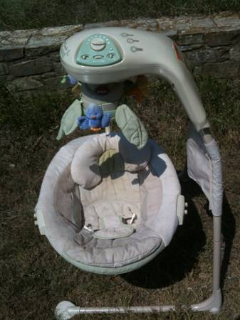 Fisher price infant swing - $15 (San marcos)