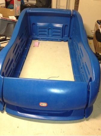 Little tikes twin size race car bed - $65 (San Marcos )
