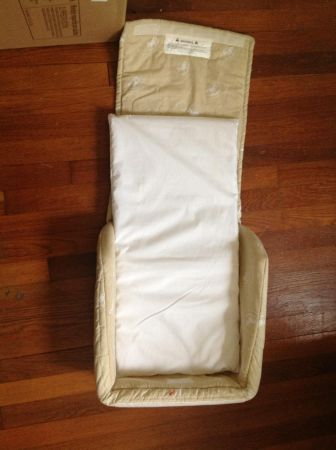Snuggle Nest co-sleeper - $15 (Lockhart)