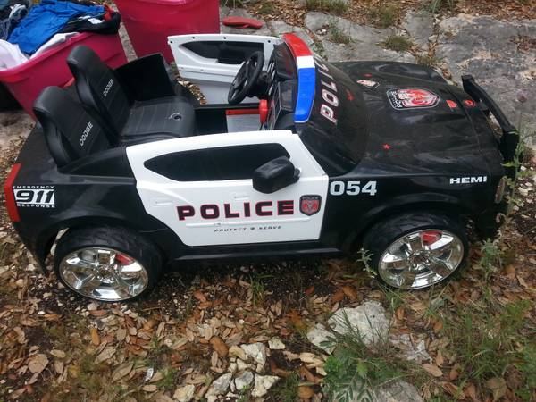kids police car power wheel (san marcos)