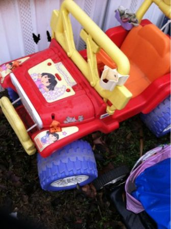 Dora Power wheels jeep - $50 (San Marcos tax)